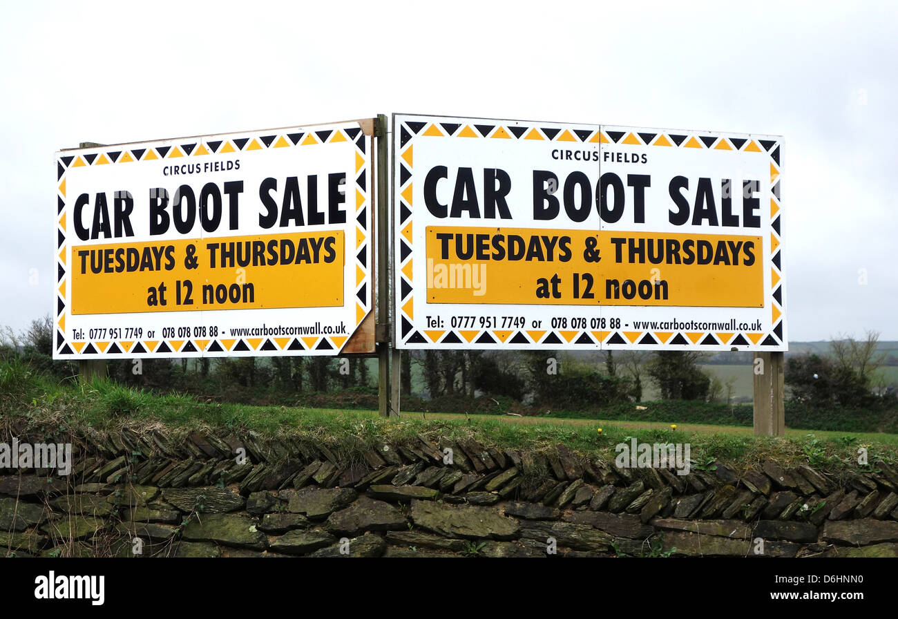 A car boot sale advertising sign - Stock Image