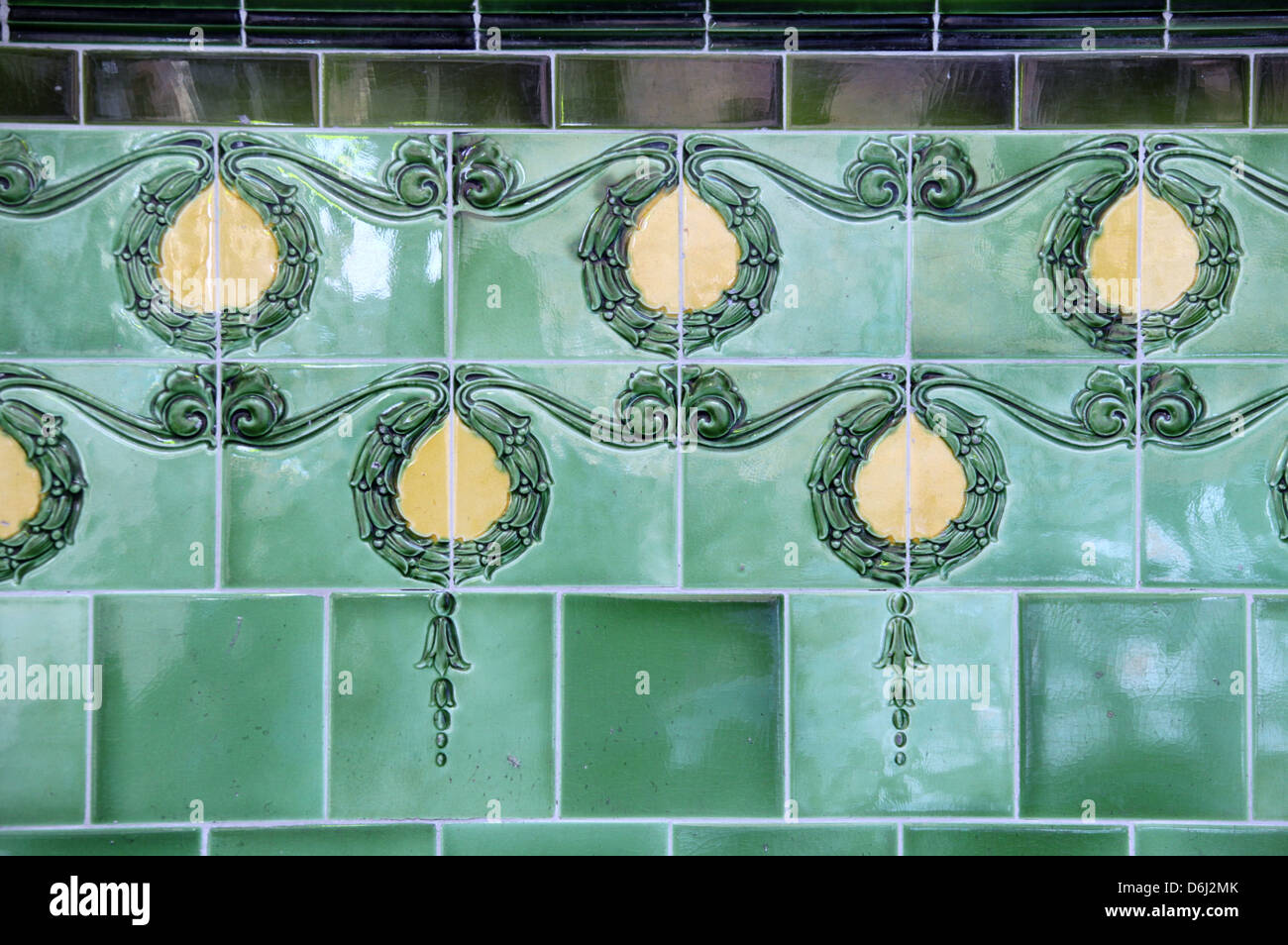 Old Pub Wall Tiles Stock Photos & Old Pub Wall Tiles Stock Images ...
