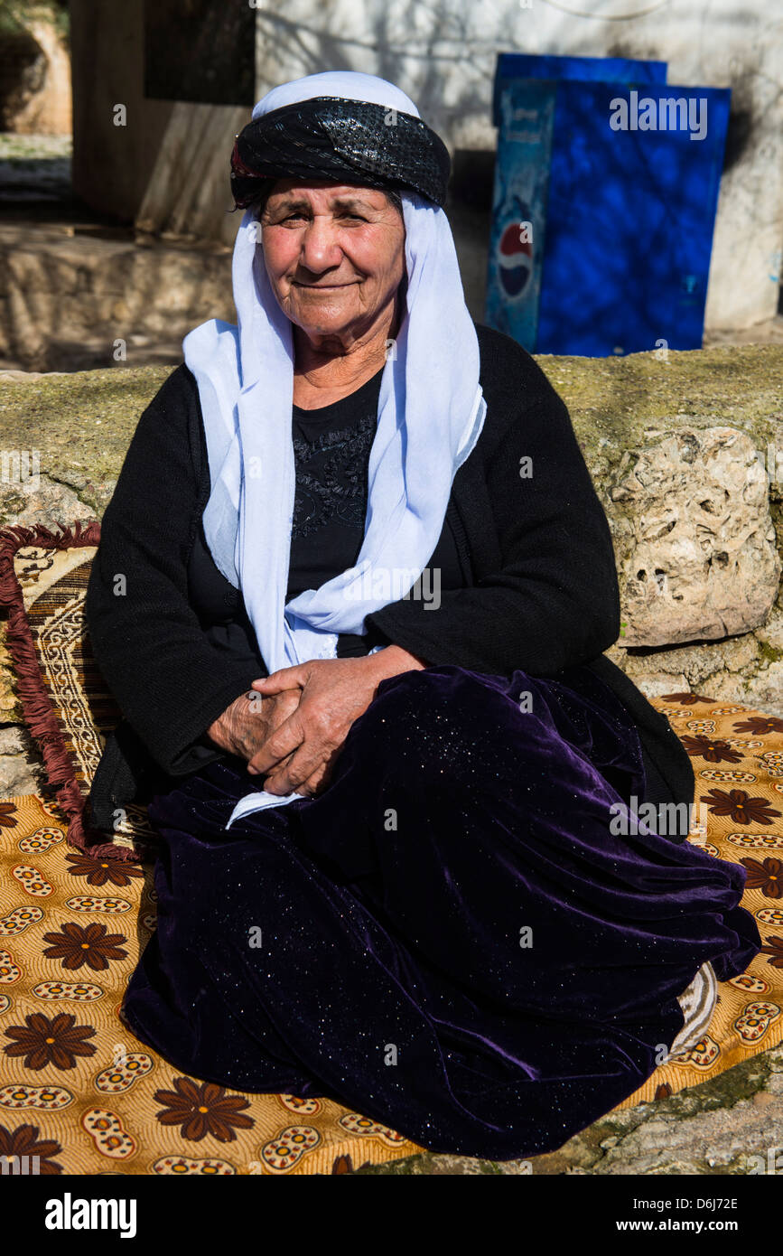 Yazidi woman in Lalish capital of the Kurdish sect of the Yazidis in Iraq Kurdistan, Iraq, Middle East Stock Photo