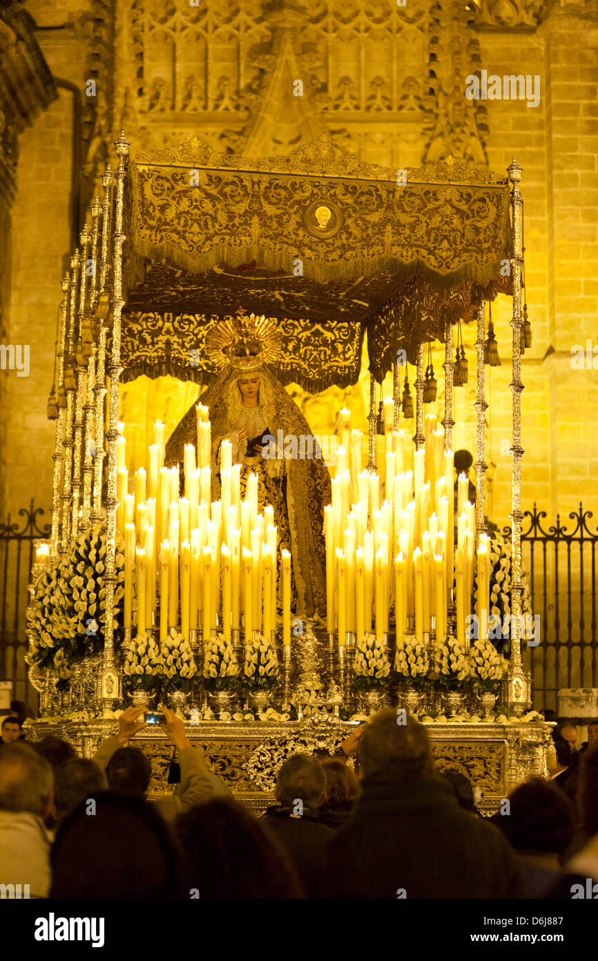 Semana Santa (Holy Week) float (pasos) with image of Virgin Mary outside Seville cathedral, Seville, Andalucia, - Stock Image
