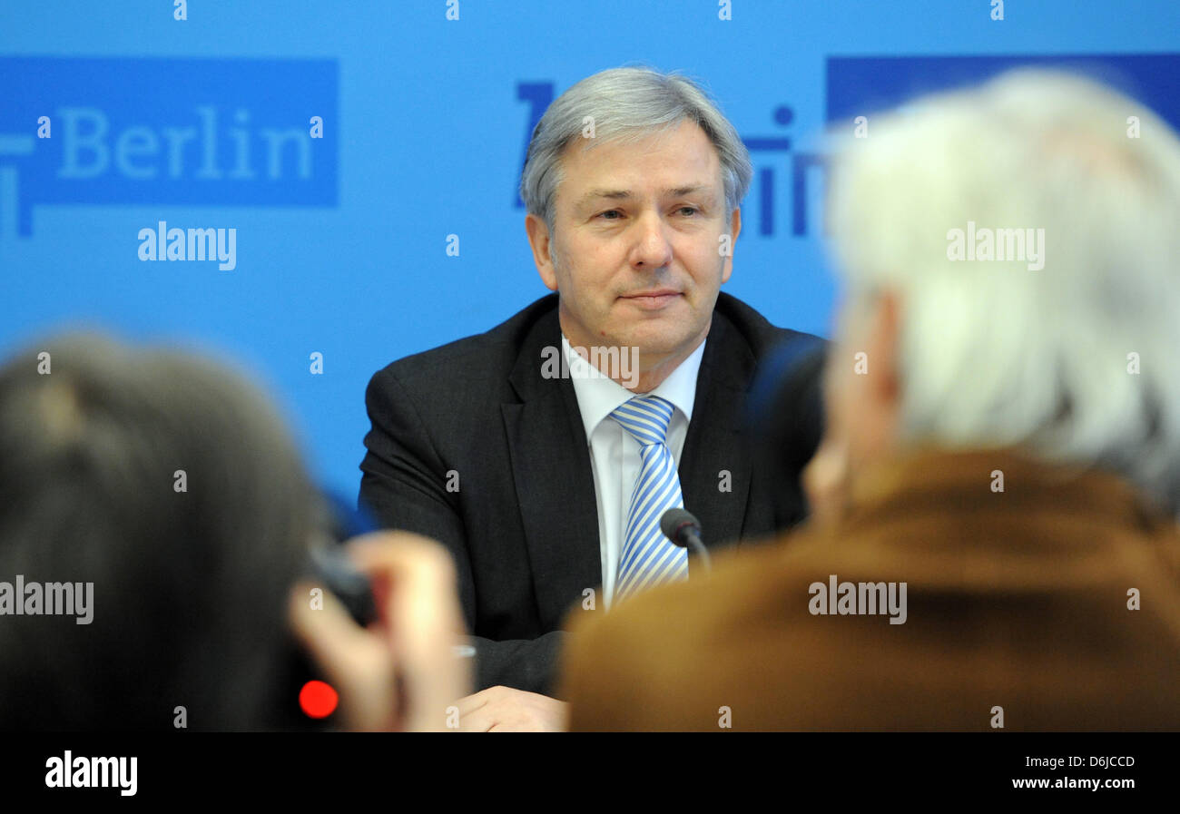 Mayor of Berlin Klaus Wowereit (SPD) speaks at a press conference of the Senate of Berlin at the Red City Hall in Stock Photo