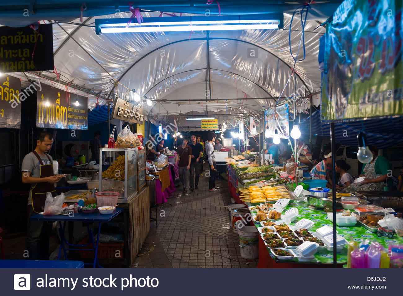 A night street food market, Bangkok, Thailand - Stock Image