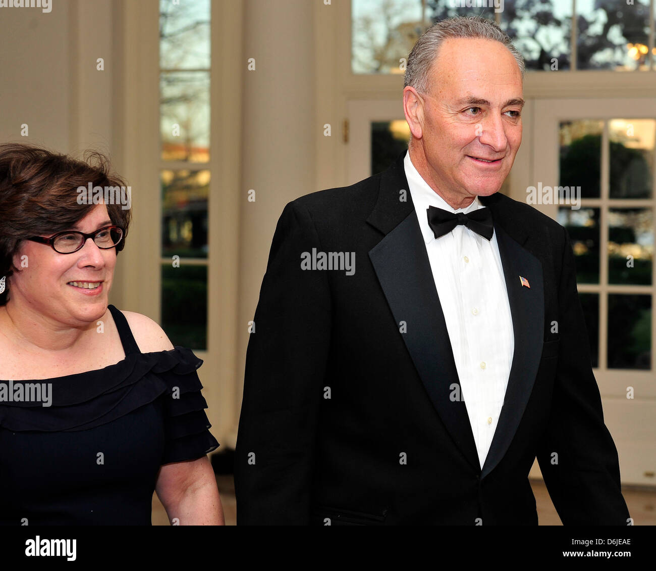 York With His Wife High Resolution Stock Photography And Images Alamy Encuentra fotos de stock perfectas e imágenes editoriales de noticias sobre iris weinshall en getty images. https www alamy com stock photo united states senator charles schumer democrat of new york and his 55725446 html
