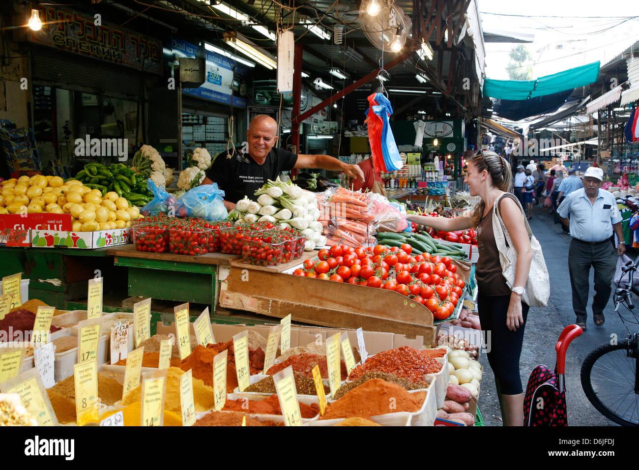 Shuk HaCarmel (Carmel Market), Tel Aviv, Israel, Middle East - Stock Image