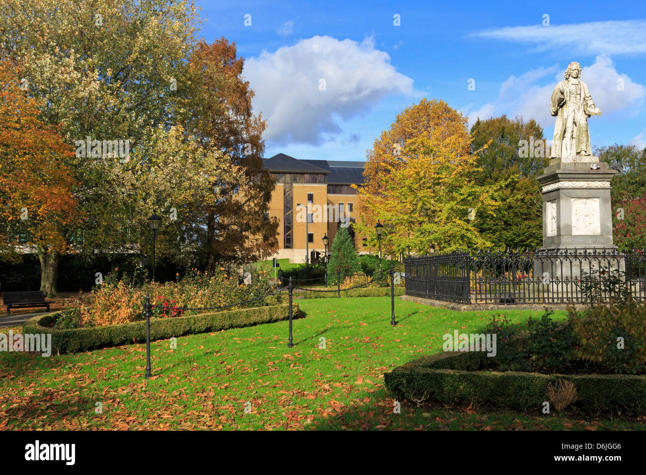Isaac Watts statue in West Park, Southampton, Hampshire, England, United Kingdom, Europe - Stock Image