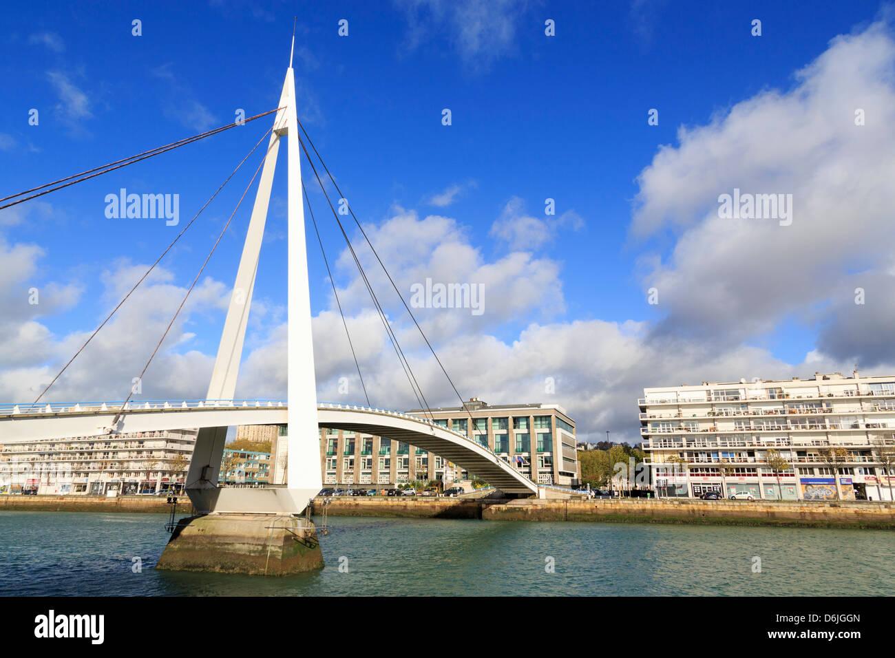 Pedestrian bridge over the Commerce Basin, Le Havre, Normandy, France, Europe - Stock Image