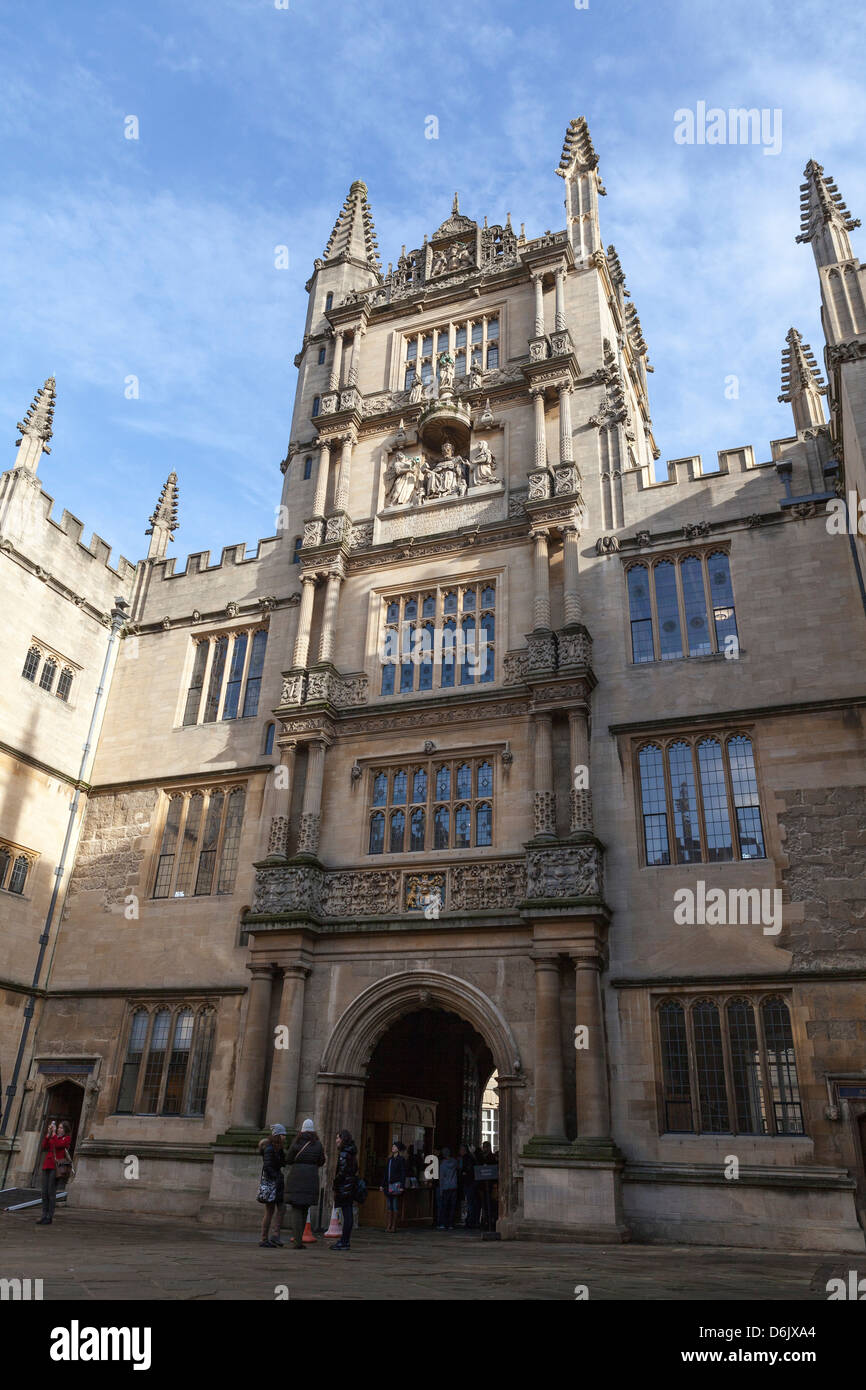 The courtyard of the Bodleian Library, Oxford, Oxfordshire, England, United Kingdom, Europe - Stock Image