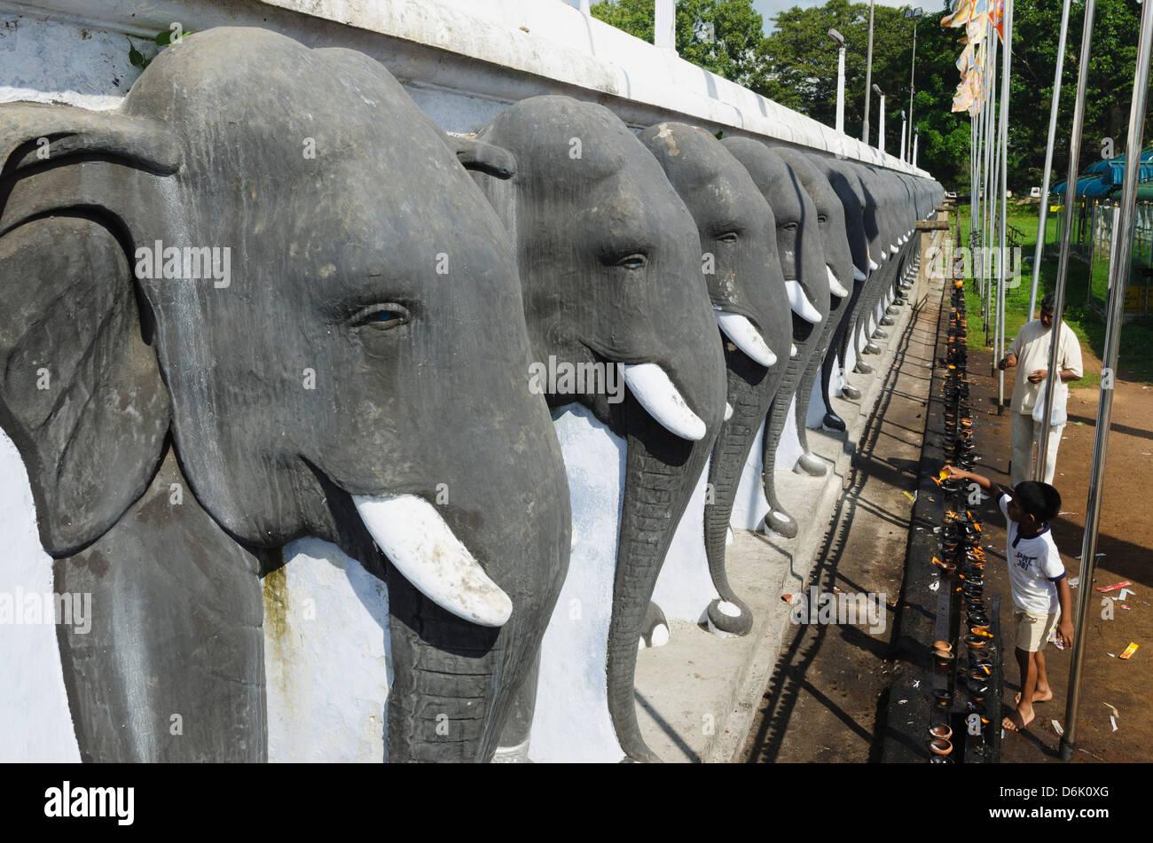 Ruvanvelisaya Dagoba, Anuradhapura, UNESCO World Heritage Site, North Central Province, Sri Lanka, Asia - Stock Image