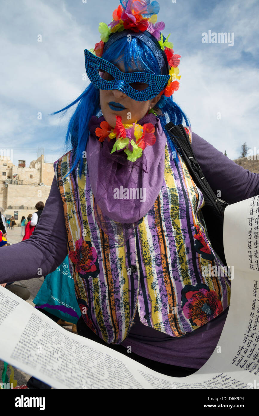 Women To The wall in disguise towards the reading of the Megilah of Esther on Purim Jewish festival. Jerusalem Old - Stock Image