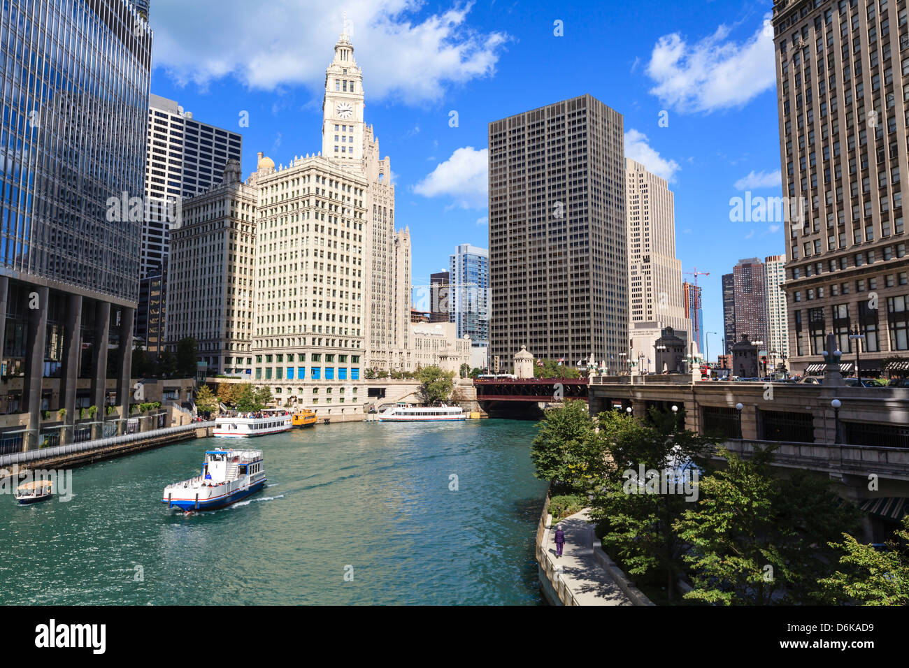 Chicago River Walk follows the riverside along East Wacker Drive, Chicago, Illinois, United States of America, North - Stock Image