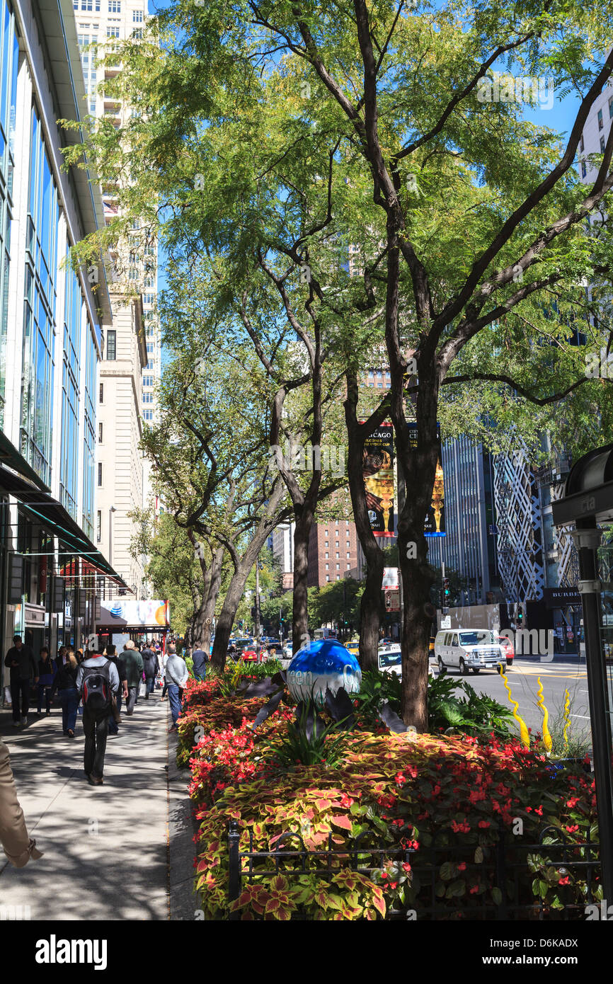 The Magnificent Mile, North Michigan Avenue, Chicago's premier shopping street, Chicago, Illinois - Stock Image