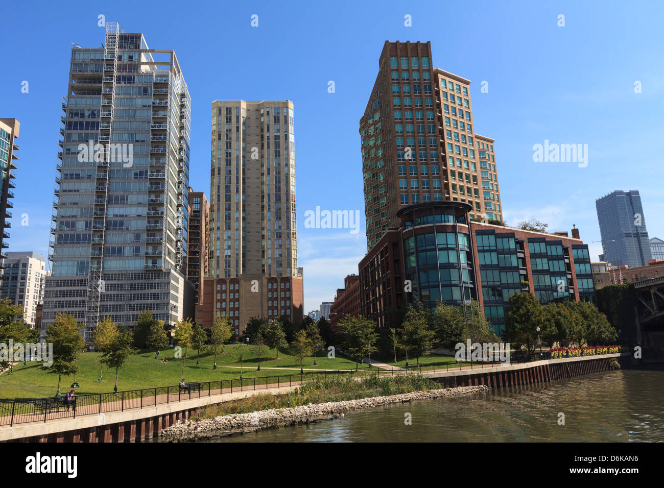 Expensive apartment buildings on the Chicago River, Chicago, Illinois, United States of America, North America - Stock Image