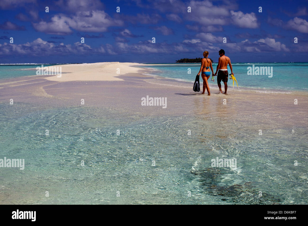 Couple in the Tuamotu islands, French Polynesia, Pacific Islands, Pacific - Stock Image