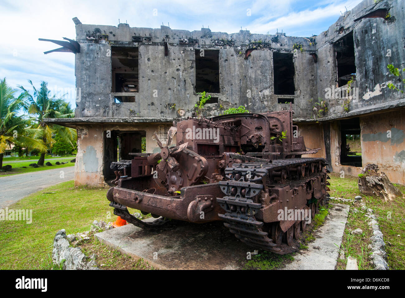 Old Japanese tank in front of the Japanese administration building, Island of Babeldoab, Palau, Central Pacific, - Stock Image