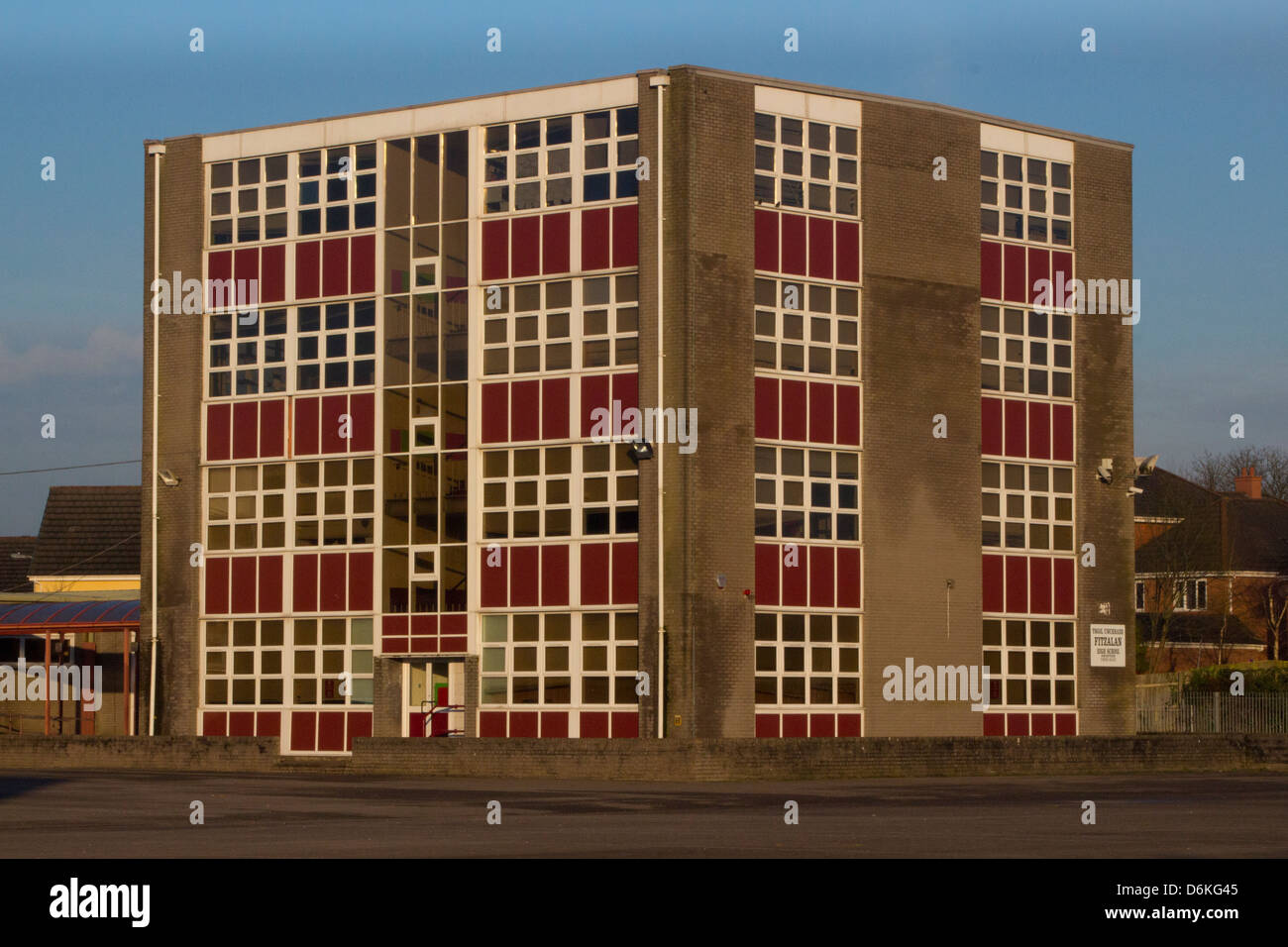 Secondary school tower block in Cardiff - Stock Image