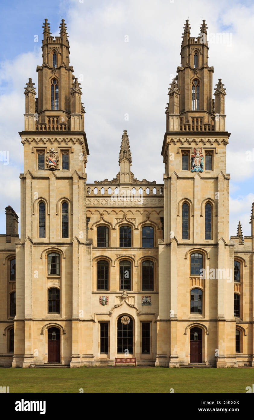 Twin Hawksmoor towers overlooking the Great Quad of All Souls College in Oxford, Oxfordshire, England, UK, Britain - Stock Image