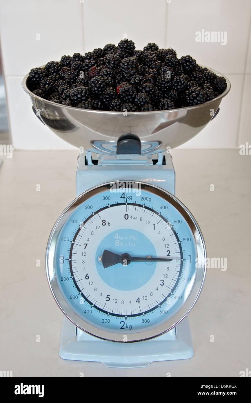 Weighing Pan Stock Photos & Weighing Pan Stock Images - Alamy