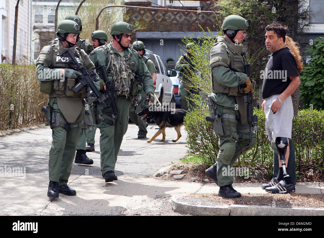 Watertown, Massachusetts, USA. 19th April, 2013. A SWAT team member ...