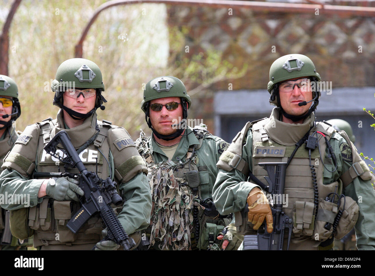 Watertown, Massachusetts, USA. 19th April, 2013. SWAT team members ...