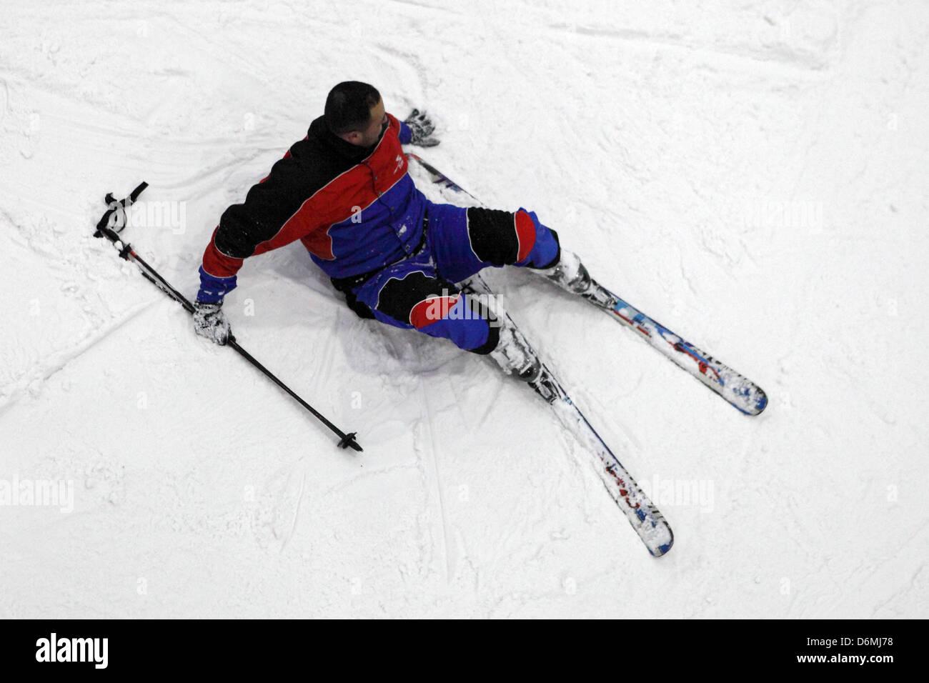 Dubai, United Arab Emirates, man crashed while skiing - Stock Image