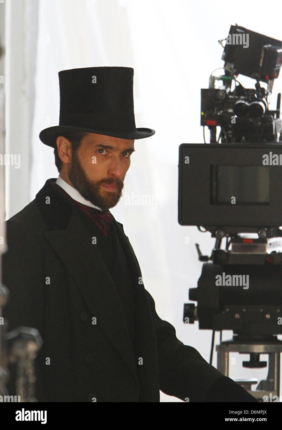 London, UK, 20th Apr, 2013: Ed Stoppard filming on location for Angelica period thriller in central London Credit: - Stock Image