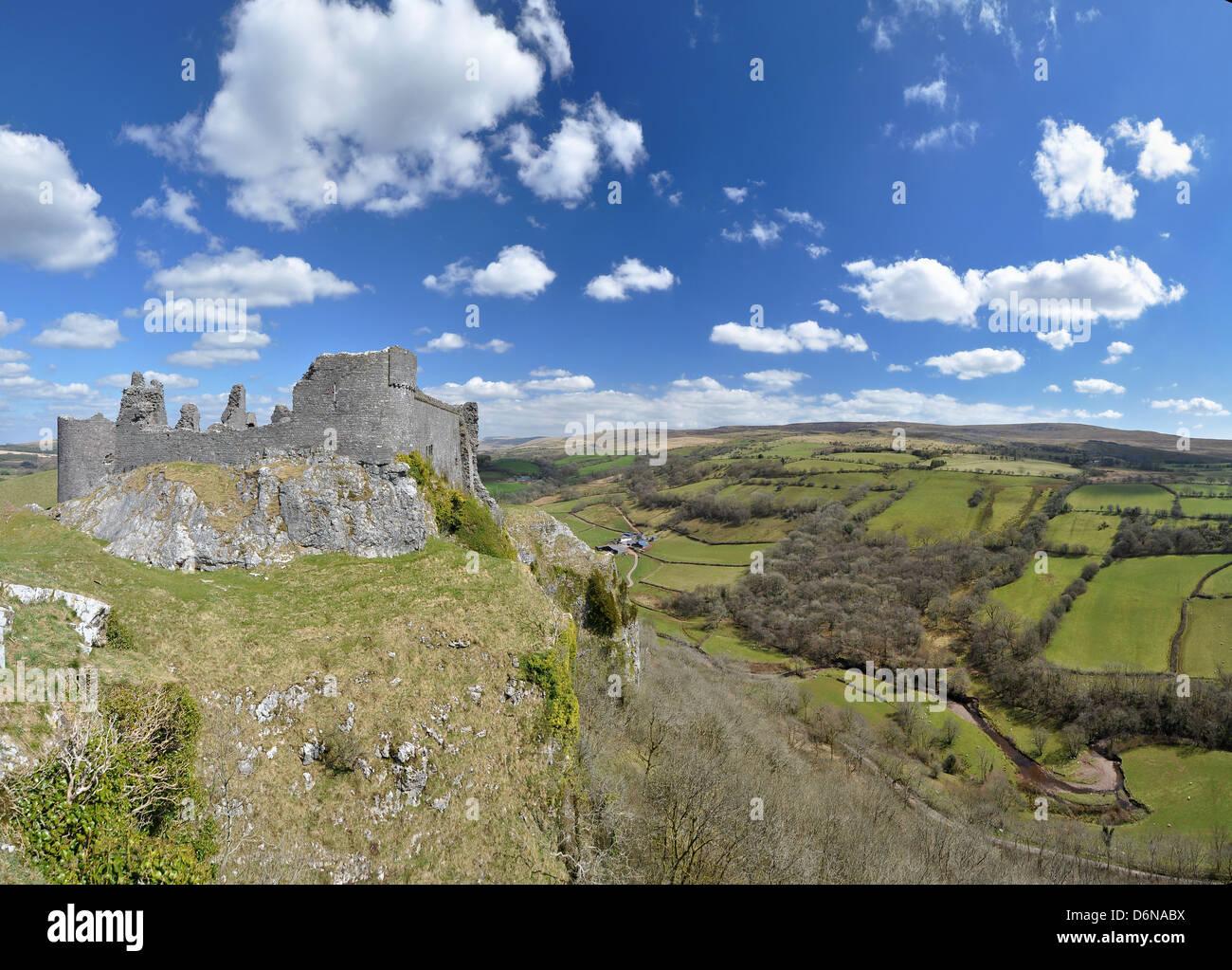 Carreg Cennen Castle Overlooks the lovely Brecon Beacons - Stock Image
