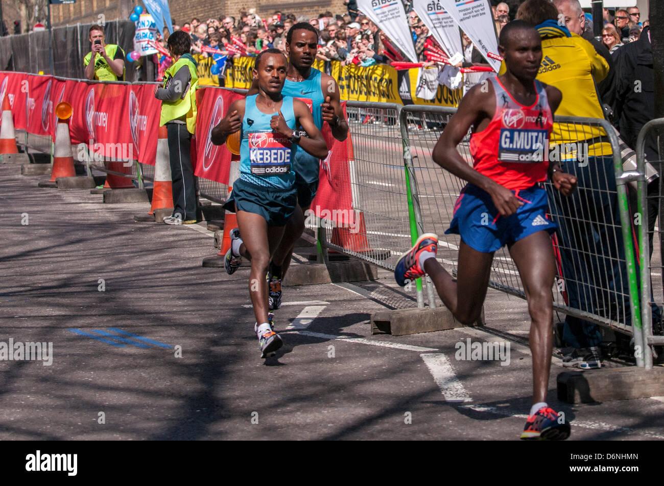 LONDON, East Smithfield, 21 April 2013.  Tsegaye Kebede, Ethiopia, at the back of the Elite Men's group, just - Stock Image