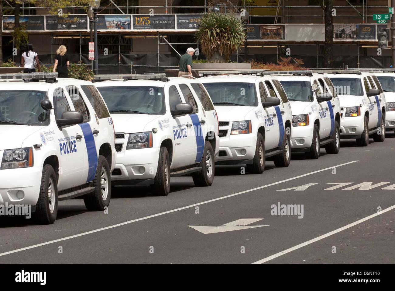 Homeland Security police vehicles lined up - Washington, DC USA - Stock Image