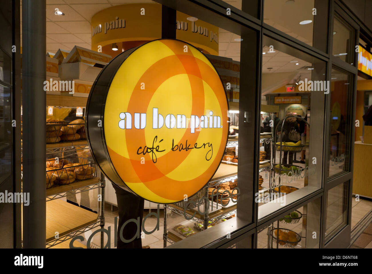 Au Bon Pain Cafe Bakery sign in window - USA Stock Photo