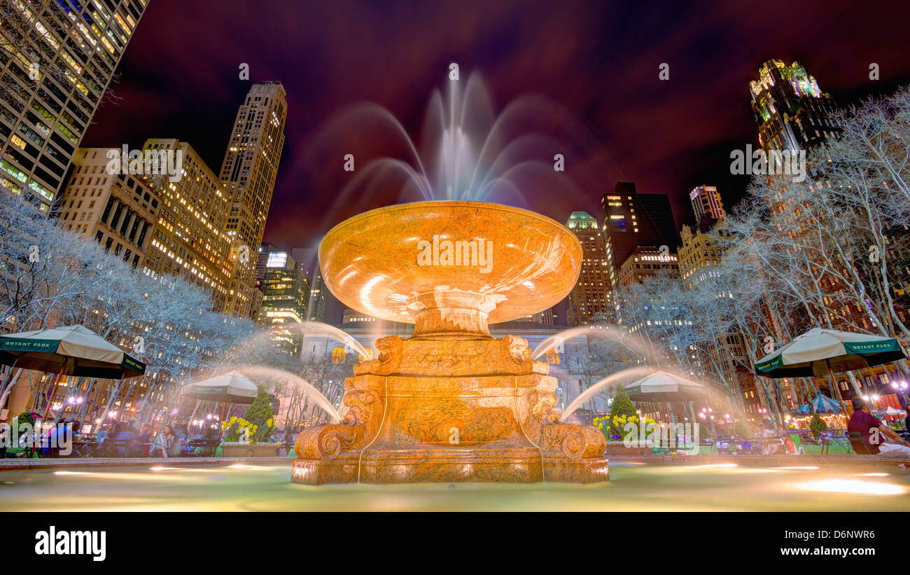 Fountain in Bryant Park in New York City. - Stock Image