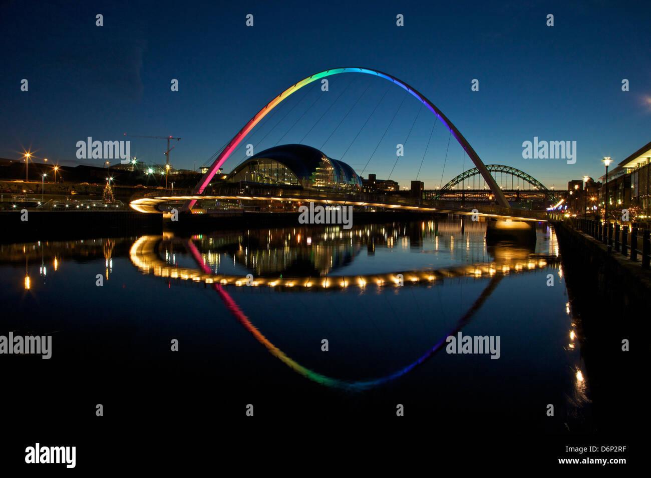 Gateshead Quays with Sage Gateshead and Millennium Bridge at night, Tyne and Wear, England, United Kingdom, Europe - Stock Image