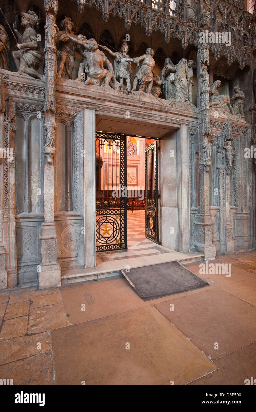 The entrance to the choir in Chartres Cathedral, UNESCO World Heritage Site, Chartres, Eure-et-Loir, Centre, France, - Stock Image