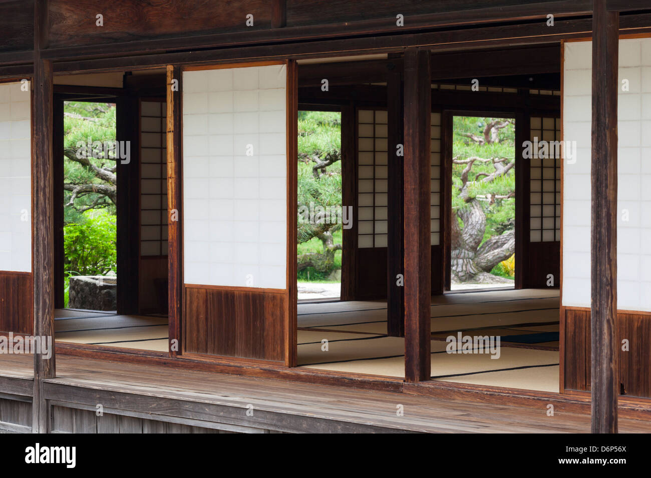 A traditional ceremonial tearoom in a Japanese garden. - Stock Image