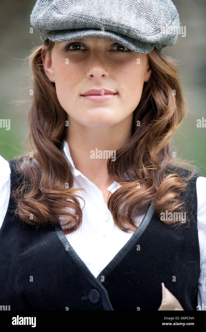 87318d092a9dc Portrait of young woman wearing flat cap Stock Photo  55811997 - Alamy