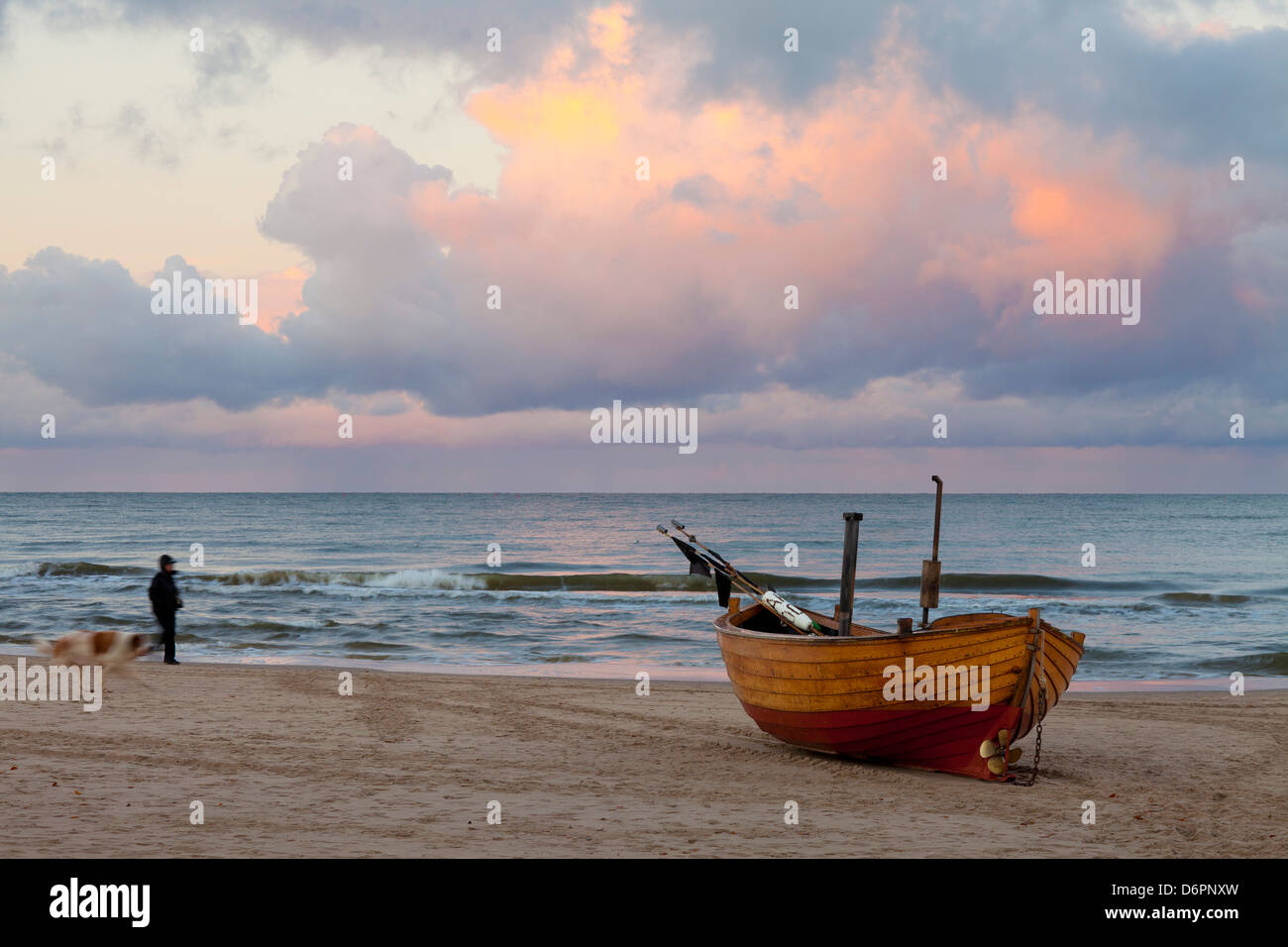 Boat on beach, Ahlbeck, Island of Usedom, Baltic Coast, Mecklenburg-Vorpommern, Germany, Europe - Stock Image