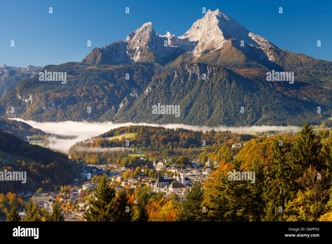 View of Berchtesgaden in autumn with the Watzmann mountain in the background, Berchtesgaden, Bavaria, Germany, Europe - Stock Image