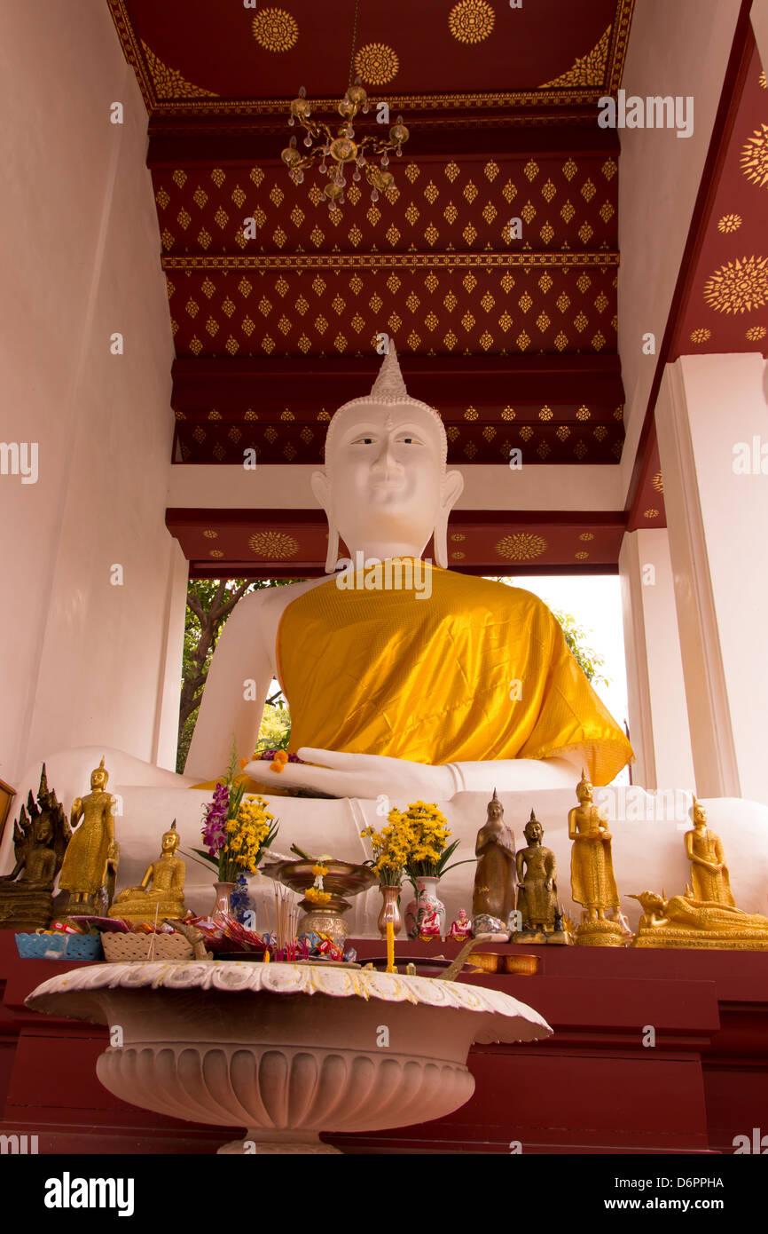 Buddha of Wat Rakang Bangkok Thailand - Stock Image