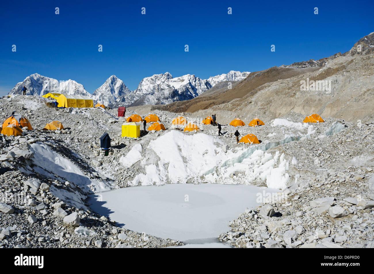 Asia, Nepal, Himalayas, Sagarmatha National Park, Solu Khumbu Everest Region, Unesco Site, tents at Everest Base - Stock Image