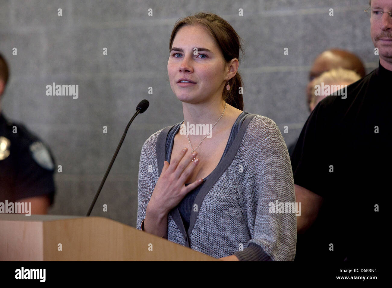 amanda knox and the media Because of how she was treated by italian authorities and what she said was unfair media bias, knox created the scarlet letter reports to help women who had the context of their truth taken away .