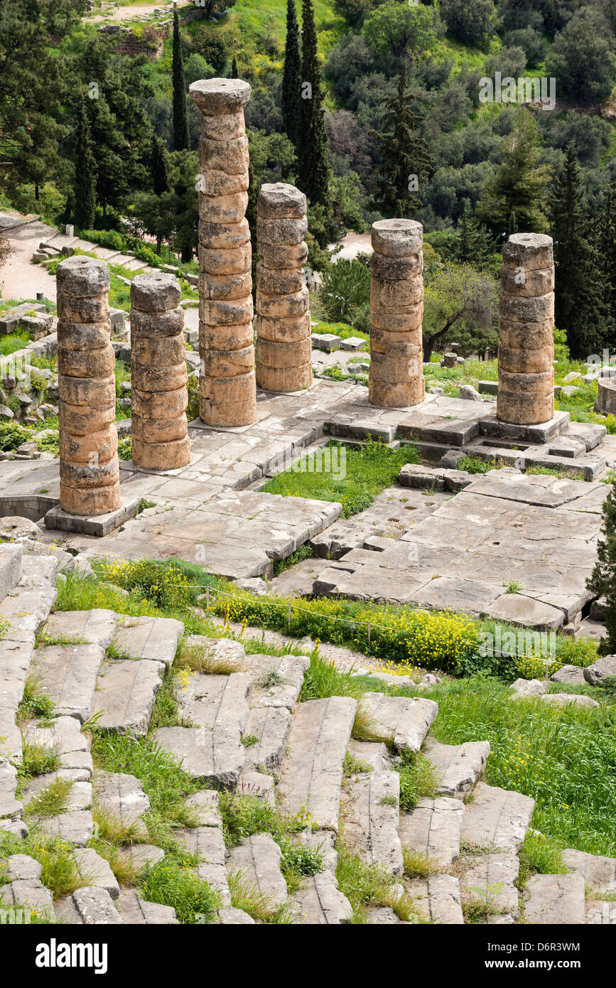 Looking down on the Temple of Apollo and the theater at the ancient site of Delphi in Thessaly, Central Greece Stock Photo