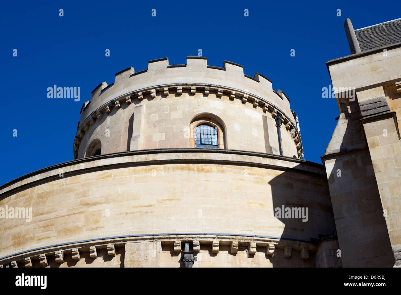 The Round Tower of the Knights Templars 1185 Gothic Round Church Temple Church in London set against a clear blue - Stock Image