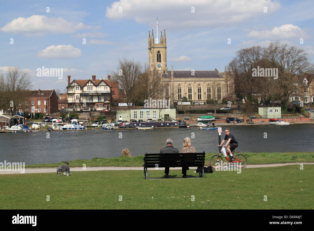 Bell Inn and St Mary's church, Hampton, East Molesey, Surrey, England, Great Britain, United Kingdom, UK, Europe Stock Photo