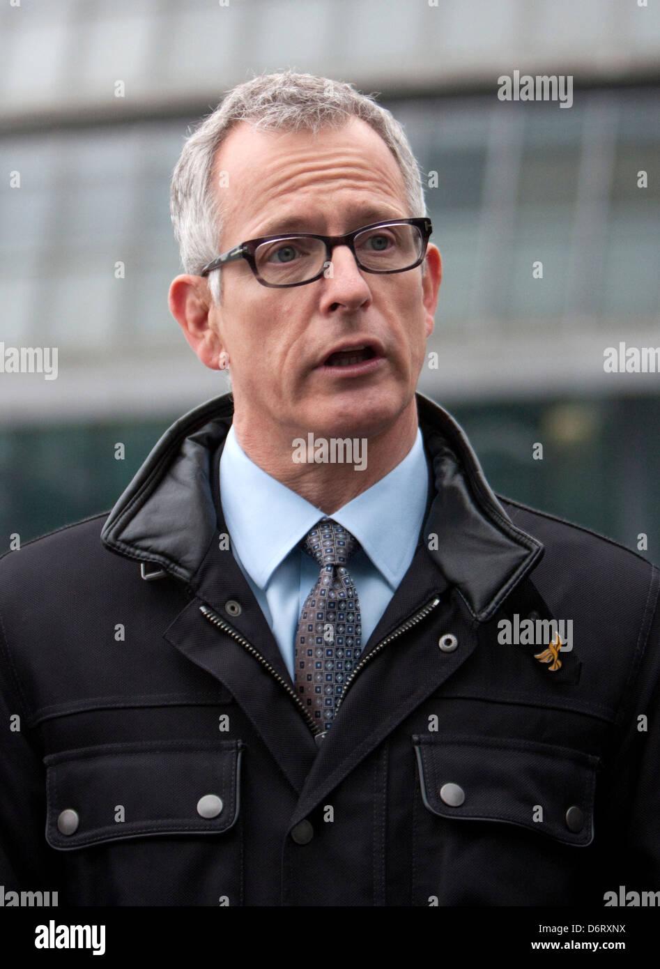 Brian Paddick, Liberal Democrat candidate for London Mayor 05/04/2012, announces duwayne brooks as a deputy - Stock Image