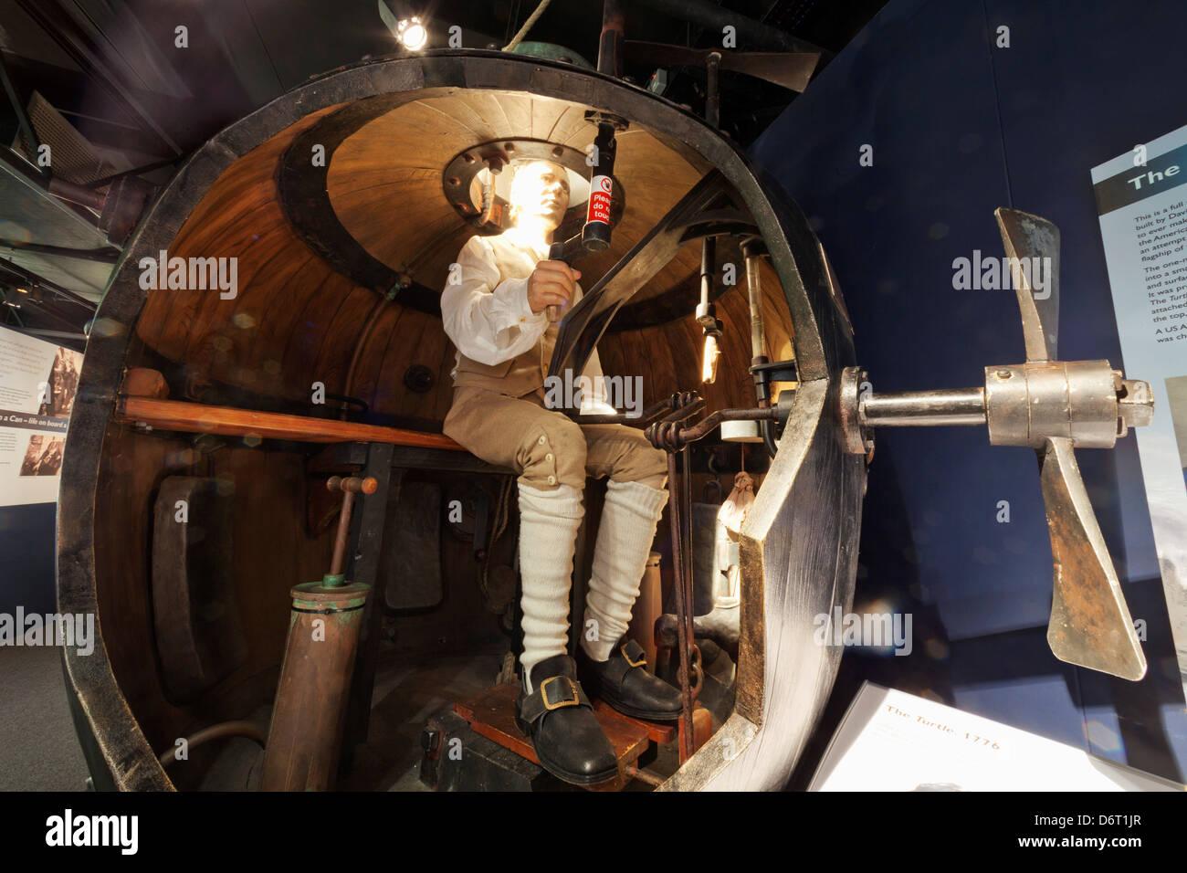 England hampshire gosport royal navy submarine museum for Replica mobel england