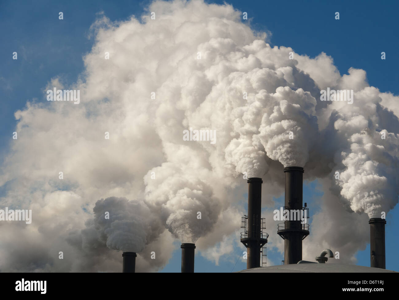 Smoke from sugar cane processing plant in Bell Glade, Florida, USA - Stock Image