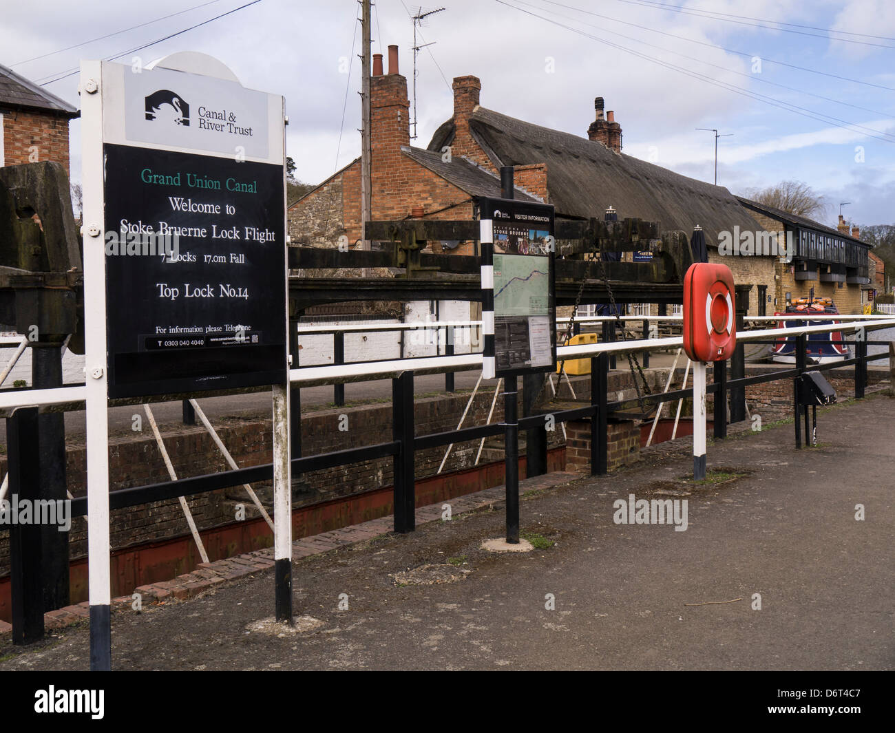 The Lock at Stoke Bruerne on the Grand Union Canal, Northamptonshire - Stock Image