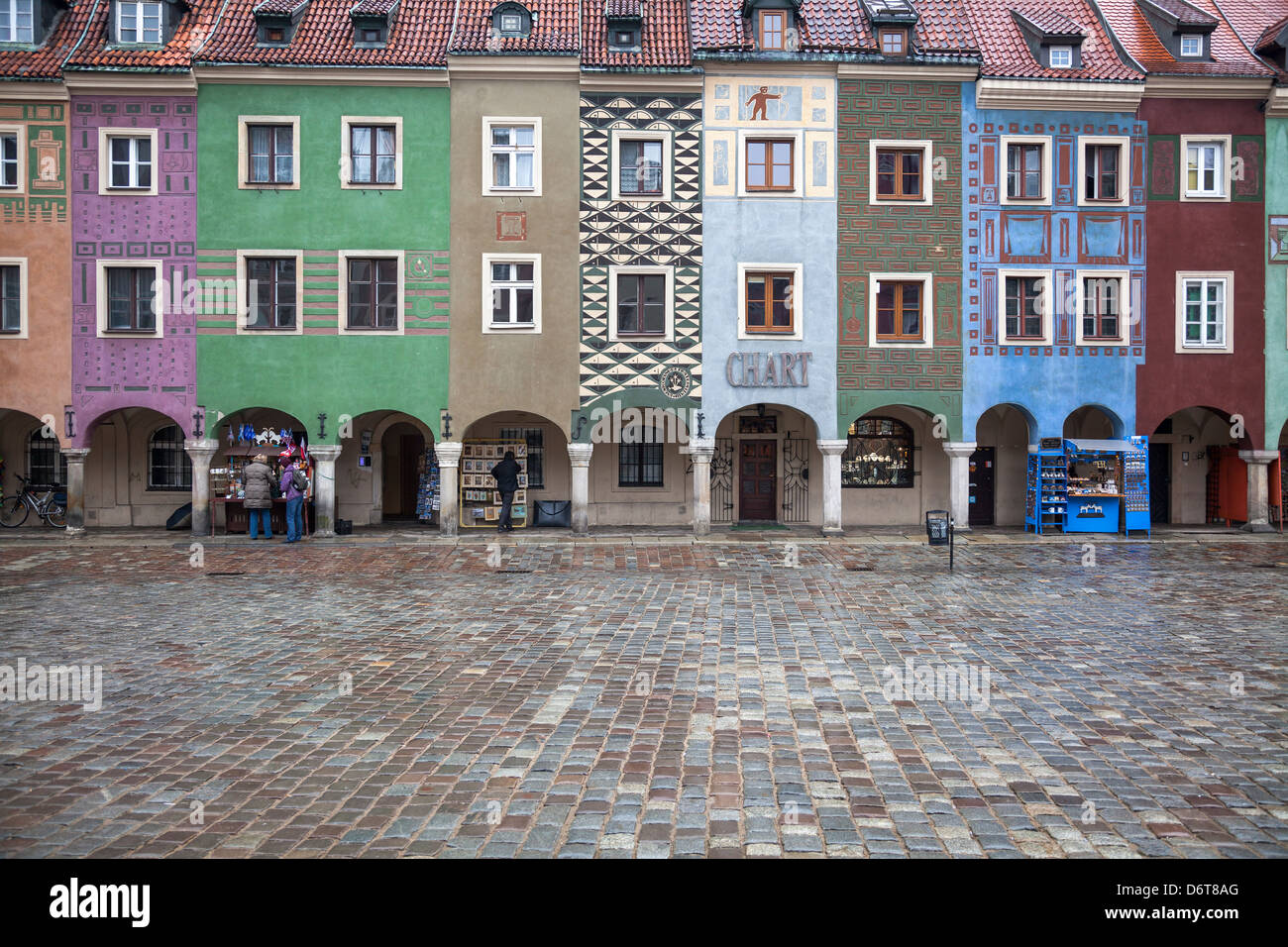 16th century medieval merchants' houses, domki budnicze, old town square, Stary Rynek, Poznan, Poland - Stock Image