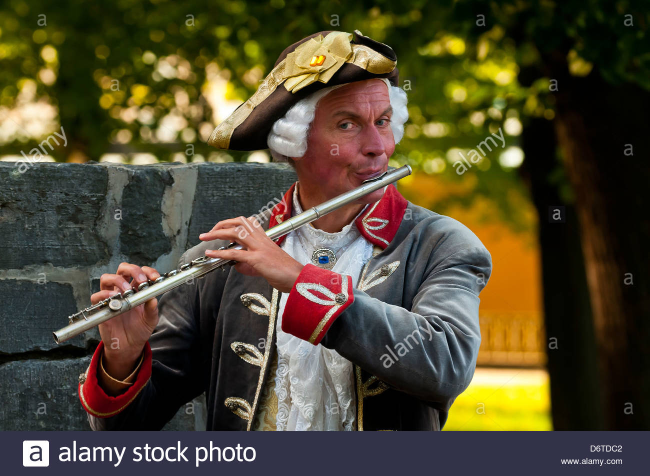 A flute player in historical costume Sanssouci Palace Sanssouci Park (a UNESCO World Heritage site) Potsdam Germany  sc 1 st  Alamy & A flute player in historical costume Sanssouci Palace Sanssouci ...