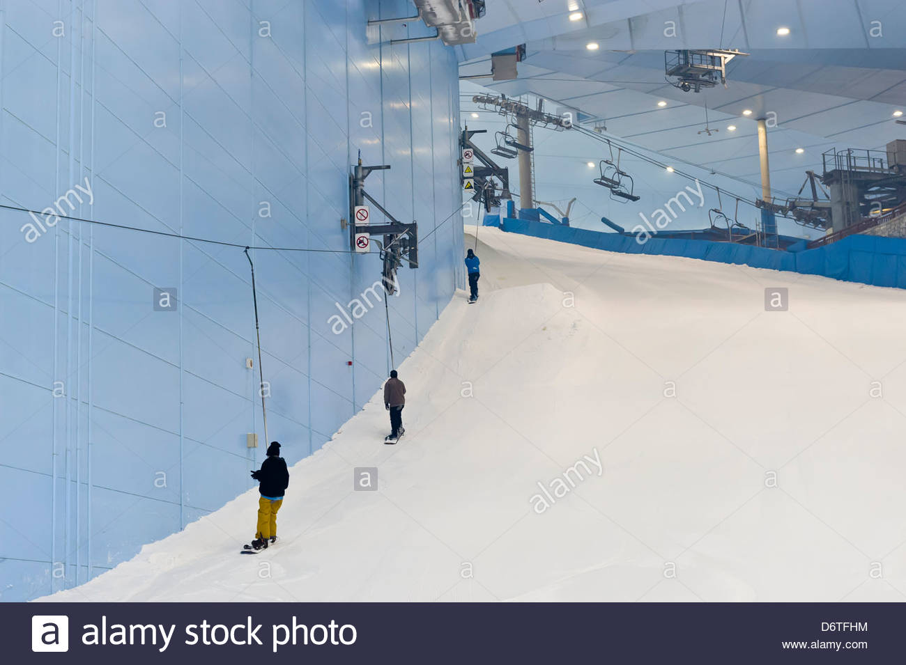 Snowboarding At Ski Dubai An Indoor Slope In The Mall Of Emirates