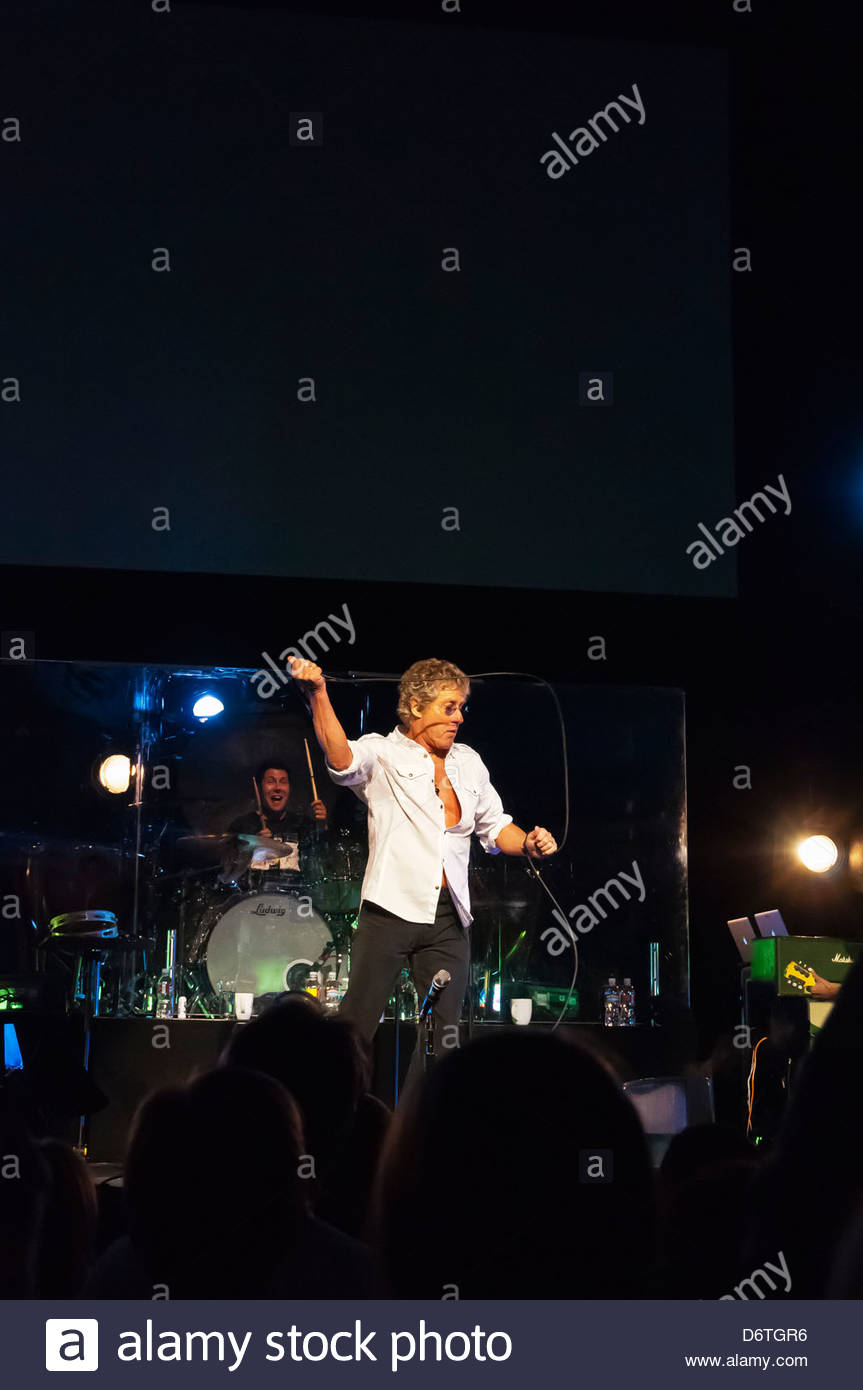 58b59f8829c6e6 Roger Daltrey performs the Who s Tommy